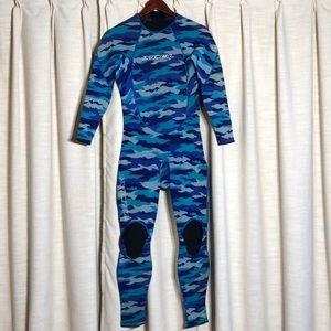 Excel surf/dive suit excellent used condition